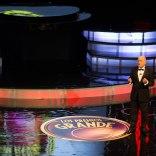 03 Anfitrión de los Premios Grande de la TV